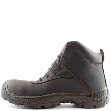 Watt botas resistentes a 18.000 voltios.